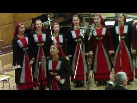 Malka moma si se Bogu moli (Song) by Traditional