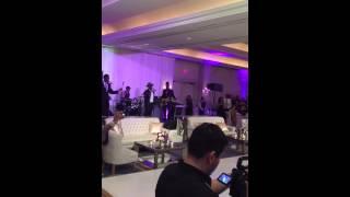 Anthony Hamilton surprises bride at wedding