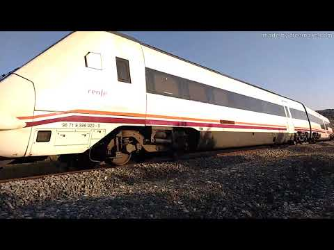 Trenes Regionales serie 599 en Iznalloz y Deifontes (Granada)