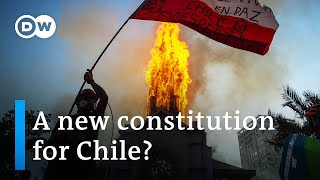 Chileans vote in referendum: Will they get a new constitution? | DW News