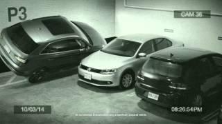 Смотреть онлайн Парень оригинально припарковал Audi Q3