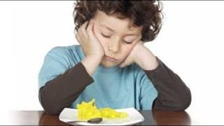 Niños que comen demasiado lento ¿cómo enseñarles a comer?