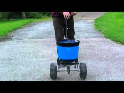 18kg Salt Spreader Winter Xtreme