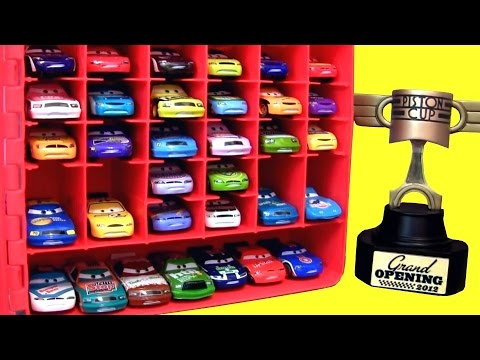 Maleta Porta Carrinhos Filme Carros 2 da Disney Pixar Cars2 Carry Case Display Toys em Portugues