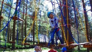 ВЛОГ ДЕТИ Дарина в парке проходит полосу препятствий/Ждем лето 2019 и снова за новыми впечатлениями