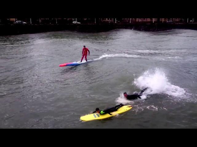 SURF en un RÍO. OLAS GIGANTES en DONOSTIA- SAN SEBASTIÁN | surf giant waves in a river