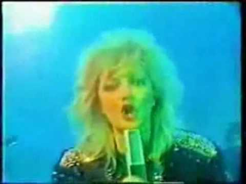 Bonnie Tyler - It's a Jungle out There (HQ and whole song)