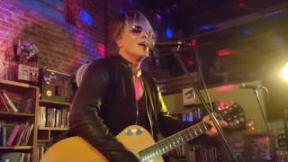 """The Pin"" Goo Doll John Rzeznik at Fingerprints Record Store"