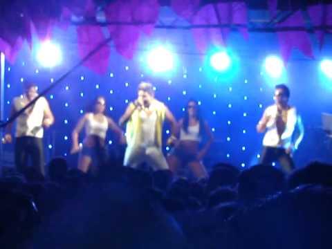Agitação da galera no show do Fuska Virado em Águas Vermelhas (Festival de Inverno 2012)