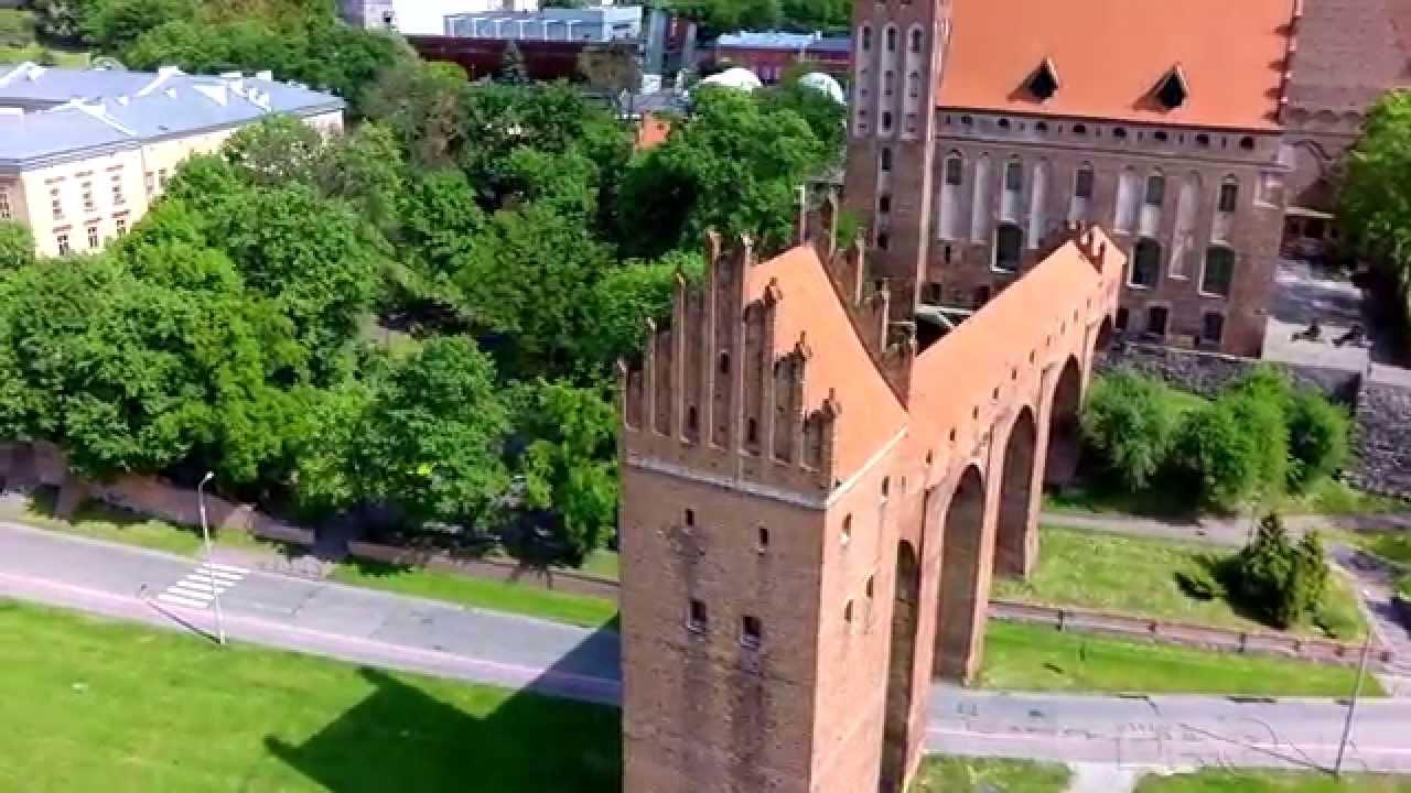 Krótki lot wokół Gdaniska (wieża sanitarno-obronna usytuowana w odległości 55 metrów od zachodniego skrzydła zamku na najniższych terasach doliny wiślanej) zespołu zamkowo-katedralnnego.