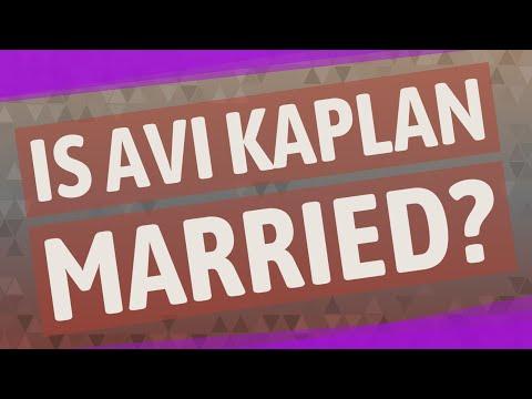 Is Avi Kaplan married?