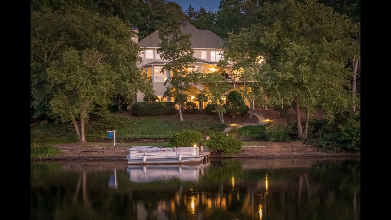 Lakefront executive home in Windward.