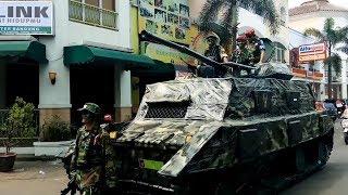 Beginilah Keunikan Replika Kendaraan Perang  HUT RI Ke 72 di MCT Kecamatan Buah Batu