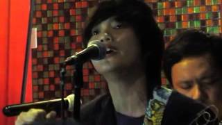 """Video thumbnail of """"Invisible Man - 98 degrees (KAYE CAL Acoustic) Jet 7 Bistro"""""""