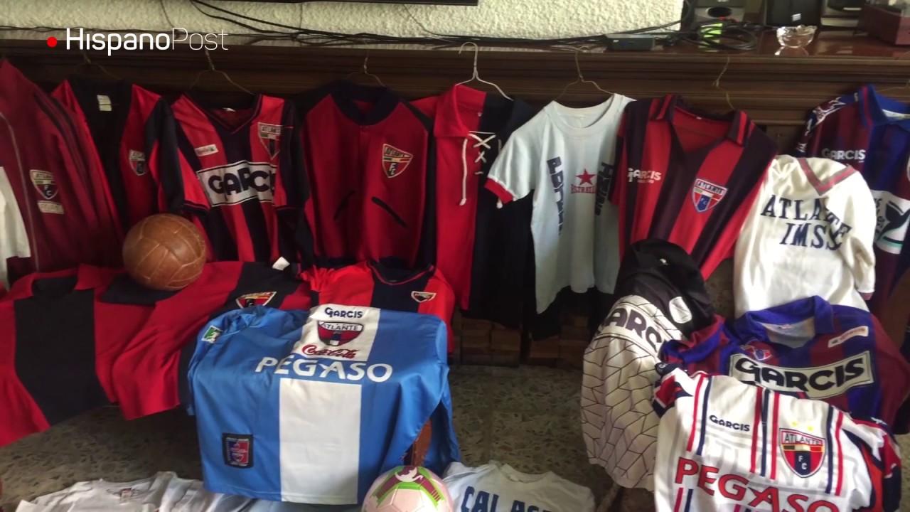 El fanático del Atlante con la mayor colección de playeras del equipo
