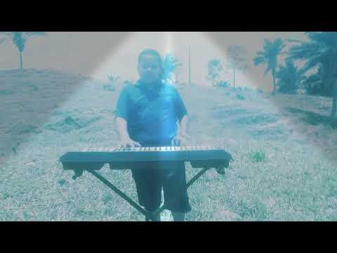 Marcos  tocando no Axixá do Tocantins