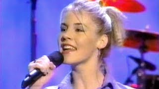 "Jennifer Paige - ""Crush"" (From The Donny & Marie Osmond Talk Show)"