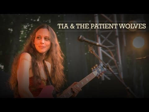Tia & the patient Wolves : Cognac Blues Passions