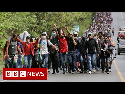 Guatemala blocks thousands of people bound for US - BBC News