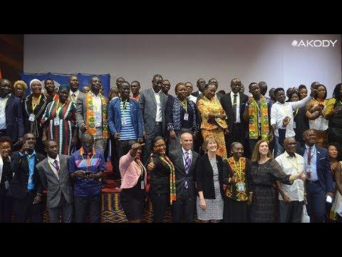 <a href='https://www.akody.com/cote-divoire/news/cote-d-ivoire-conference-annuelle-des-anciens-boursiers-de-l-ambassade-des-etats-unis-festiv-idees-318836'>C&ocirc;te d'Ivoire: Conf&eacute;rence Annuelle des anciens boursiers de l'ambassade des Etats Unis &quot;FESTIV'IDEES&quot;</a>