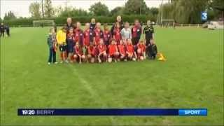 preview picture of video 'Bourges 18 - Journée Foot Féminin - JT Franc e 3'