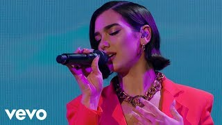 Calvin Harris & Dua Lipa – One Kiss (Live on The Graham Norton Show) Listen/download here: http://smarturl.it/one-kiss   Follow Calvin Harris Radio (playlist): http://smarturl.it/CalvinHarrisRadio Subscribe to Calvin's channel: http://smarturl.it/CHVevo?IQid=YT   --------------   Follow Calvin online:    http://calvinharris.com Snapchat: http://smarturl.it/CHSnapchat?IQid=YT Instagram: http://smarturl.it/CHInstagram?IQid=YT         Facebook: http://smarturl.it/CHFacebook?IQid=YT     Twitter: http://smarturl.it/CHTwitter?IQid=YT      Spotify: http://smarturl.it/CHSptfy?IQid=YT Subscribe here: https://goo.gl/EVtTwd  http://vevo.ly/ZFGLes