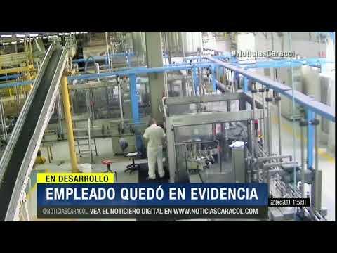 Sorprendido: funcionario robaba etiquetas de licor para el mercado ilegal