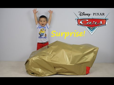 Disney Cars Lightning McQueen Giant Surprise Present Toy Opening CKN Toys