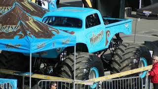 Whiplash driven by Brianna Mahon Party in the pits Monster Jam San Diego 1-20-2018