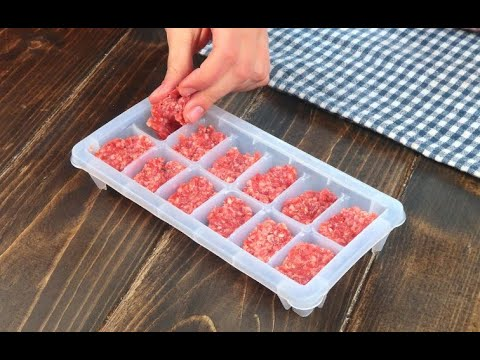 Mette la carne macinata nel contenitore del ghiaccio: il trucchetto da provare