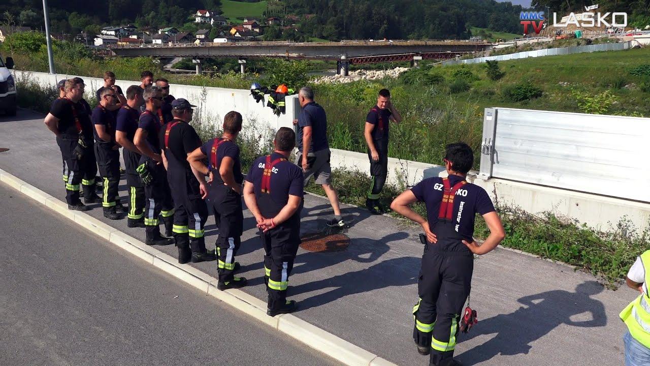 Laški gasilci v praksi preizkusili protipoplavno zaščito
