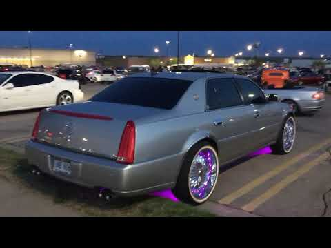 Cadillac DTS wheel lights with vogues