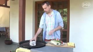 Zamiast kaszanki i tłustych żeberek grillujcie warzywa -- namawia popularny kucharz Jakub Kuroń