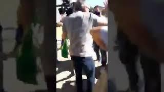 Apoiador de Bolsonaro ataca imprensa em frente à PF em Curitiba e diz: