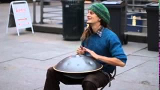Дэниел Уопльз, уличный музыкант с невероятным инструментом! With Unbelievable Instrument!