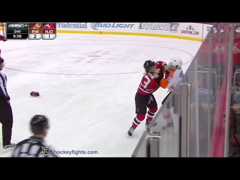 Bobby Farnham vs. Scott Laughton