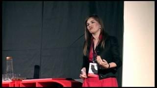 "TEDxEroilor - Silvia Sirb - De la ""Nu prea cred ca pot"" la ""Stiu ca pot"" | Kholo.pk"