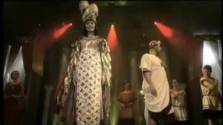Teď královnou jsem já - Monika Absolonová