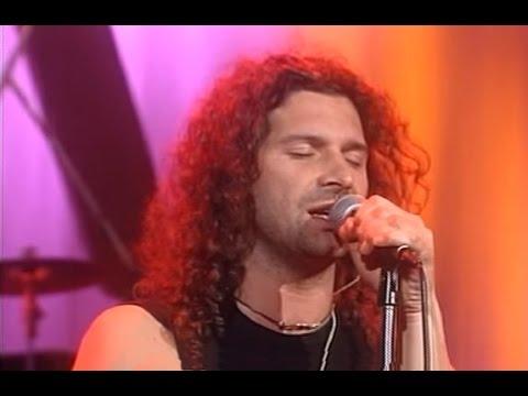 Los Caballeros de la Quema video Huelga de princesas - CM Vivo 2000