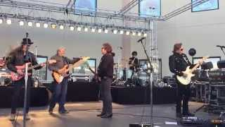 The Doobie Brothers: Jesus Is Just Alright/Rockin' Down The Highway (4/19/15 - Loveland, CO)