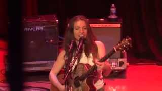 Ani DiFranco - Not a Pretty Girl (live in San Diego)