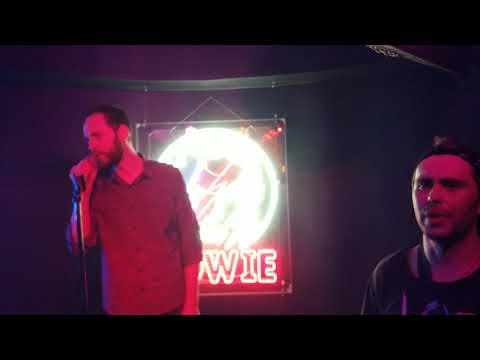Vacuum - I Breathe (Bowie karaoke in Moscow)