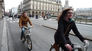 preview picture of video 'CYCLISTES à PARIS PART 9 Louvre Liège Hôtel de Ville'