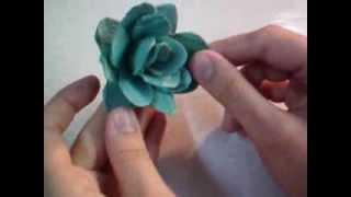 Rosa de Caixa de Ovo – Passo a Passo