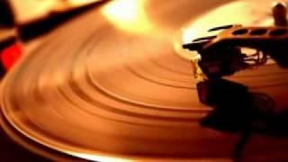 YouTube - Angela Winbush - Inner City Blues.flv