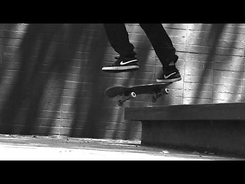 Alex legend amp chris strokes bang big booty fallon west - 2 2