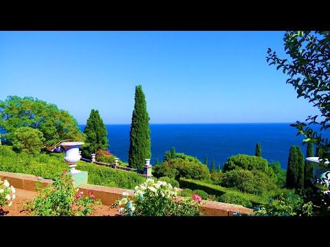 Что такого есть в Алупке, чего нет в других местах. Парк, дворец и чистый воздух. Крым куда поехать.