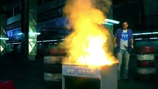 Термит прожигает плиту. Thermite making hole in a stove