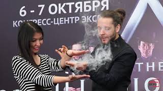"""Артисты самого продаваемого на Бродвее шоу """"Иллюзионисты"""" устроили мини-представление"""