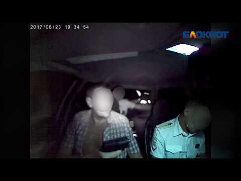 Задержанный водитель выстрелил в полицейского в Волжском